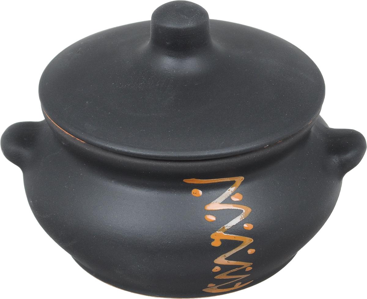 Горшок для жаркого Борисовская керамика Лакомка, 0,5 лЧУГ00000359Горшок для жаркого Борисовская керамика Лакомка выполнен из высококачественной керамики. Внутренняя поверхность покрыта глазурью, а внешние стенки имеют шероховатую поверхность под мрамор. Керамика абсолютно безопасна, поэтому изделие придется по вкусу любителям здоровой и полезной пищи. Горшок для запекания с крышкой очень вместителен и имеет удобную форму. . Посуда жаропрочная. Можно использовать в духовке и микроволновой печи. Диаметр горшочка (по верхнему краю): 11 см. Высота (без учета крышки): 7,5 см.