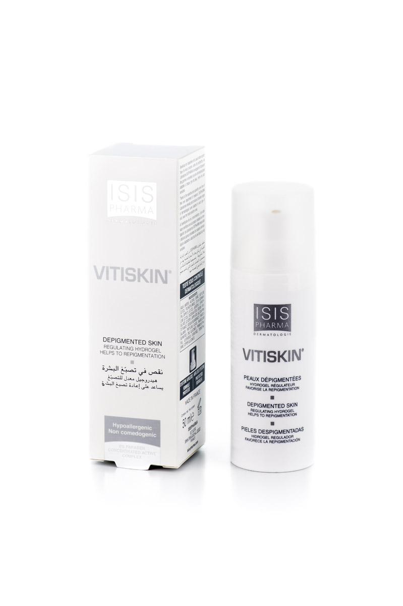 Isispharma Гидрогель VITISKIN 50 млFS-00897VITISKIN восстанавливает метаболизм клеток кожи, благодаря антиоксидантам, элементам, позволяющим бороться со свободными радикалами, и противовоспалительным компонентам:1. Супероксиддисмутаза Dismutin-BT: защита от свободных радикалов и противовоспалительное действие, замедление липидного пероксидирования2. Медь и цинк: Ко-фактор тирозиназы (Cu), защита от окислительных повреждений3. Витамин B12: участвует в синтезе меланина, незаменим в метаболизме4. Пантотенат Кальция: витамин, участвующий в синтезе меланина, необходимый для усвоения меди