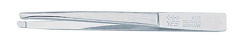 Becker-Manicure YES Пинцет скошенный 8см. 9610396103Пинцет скошенный изготовлен из высокоуглеродистой стали и предназначен для коррекции бровей, удаления волос и заноз. Длина пинцета 8 см. Хранить в сухом недоступном для детей месте. Замена изделия не осуществляется в следующих случаях: - Использование не по назначению - Самостоятельный ремонт - Нарушение условий хранения