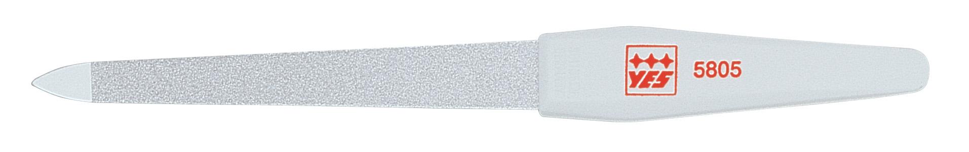 Becker-Manicure YES Пилочка 15см. 9580595805Пилочка для ногтей изготовлена из высокоуглеродистой стали. Пилочка имеет двухстороннее сапфировое напыление: более крупное с одной стороны для формирования формы и мелкое с другой для завершения шлифовки ногтя. Длина пилочки 15 см. Хранить в сухом недоступном для детей месте. Замена изделия не осуществляется в следующих случаях: - Использование не по назначению - Самостоятельный ремонт - Нарушение условий хранения