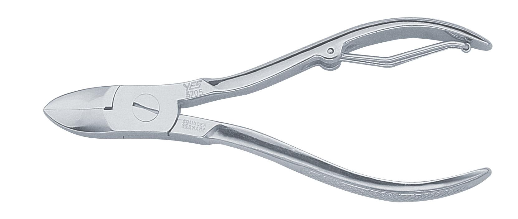 Becker-Manicure YES Кусачки для ногтей. 57055705Кусачки для ногтей изготовлены из высокоуглеродистой стали. Дина кусачек 10,5 см. Хранить в сухом недоступном для детей месте. Замена изделия не осуществляется в следующих случаях: - Использование не по назначению - Самостоятельный ремонт - Нарушение условий хранения