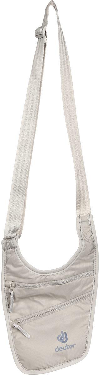 Кошелек Deuter Security Holster, цвет: бежевыйJSO-10304Это мягкий кошелек можно носить на теле под рубашкой или поверх одежды. Регулируемые ремни. Два кармана на молнии. Легко стирается.