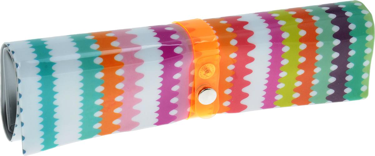 Пенал-органайзер для мелочей Феникс-Презент Зигзаг, 25 х 20 см41032Пенал-органайзер Феникс-Презент Зигзаг идеально подойдет для хранения различных канцелярских принадлежностей (ручек, карандашей, фломастеров), косметических кистей, ножниц, художественных кисточек и других мелочей. Пенал выполнен из ПВХ и оформлен красивым узором в виде зигзагов. Застегивается с помощью хлястика на кнопку. Внутри имеется 6 узких фиксаторов и 3 широких фиксатора. Стильный яркий пенал очень удобен и не занимает много места. Размер (в скрученном виде): 20 х 5,5 х 2,5 см. Размер (в разложенном виде): 25 х 20 см.