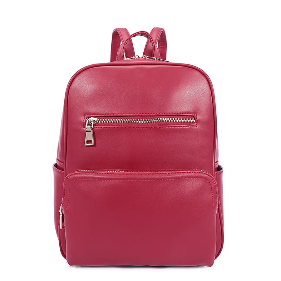 Рюкзак женский Orsa Oro, цвет: красный. D-184/25BP-001 BKСтильный женский рюкзак Orsa Oro выполнен из экокожи. Модель с одним отделением застегивается на молнию. Передняя сторона оформлена объемным карманом на молнии и плоским карманом, боковые стороны - двумя объемными карманами, задняя сторона - прорезным карманом на молнии. Внутри изделие содержит 2 накладных кармана и прорезной карман на молнии. Рюкзак оснащен удобными плечевыми лямками регулируемой длины, а также петлей для подвешивания.