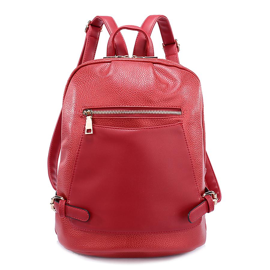 Рюкзак женский Orsa Oro, цвет: красный. D-186/26D-186/26Стильный женский рюкзак Orsa Oro выполнен из экокожи. Модель с одним отделением застегивается на молнию с двумя бегунками. Передняя сторона оформлена плоским накладным карманом на магнитной кнопке, сзади и спереди располагаются прорезные карманы на молнии. Внутри изделие содержит 2 накладных кармана и прорезной карман на молнии. Рюкзак декорирован ремешками с металлическими пряжками, оснащен удобными плечевыми лямками регулируемой длины, а также петлей для подвешивания.
