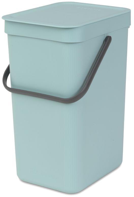 Ведро для мусора Brabantia Sort & Go, цвет: мятный, 12 л109744Эти 12-литровые ведра можно использовать для раздельного сбора любых домашних отходов, например, бутылок, банок или пластиковой упаковки. Большая ручка и удобный захват снизу позволяют удобно освободить ведро от мусора. Идеальное решение для раздельного сбора домашних отходов. Может использоваться на полу или крепиться к стене – в комплект входит настенный держатель; Имеются идеально подходящие по размеру мешки Brabantia PerfectFit с завязками (размер C) – удобно устанавливаются в ведро; Имеются идеально подходящие по размеру биоразлагаемые мешки для компостируемых отходов (размер С) – удобно устанавливаются в ведро; Гарантия 10 лет.