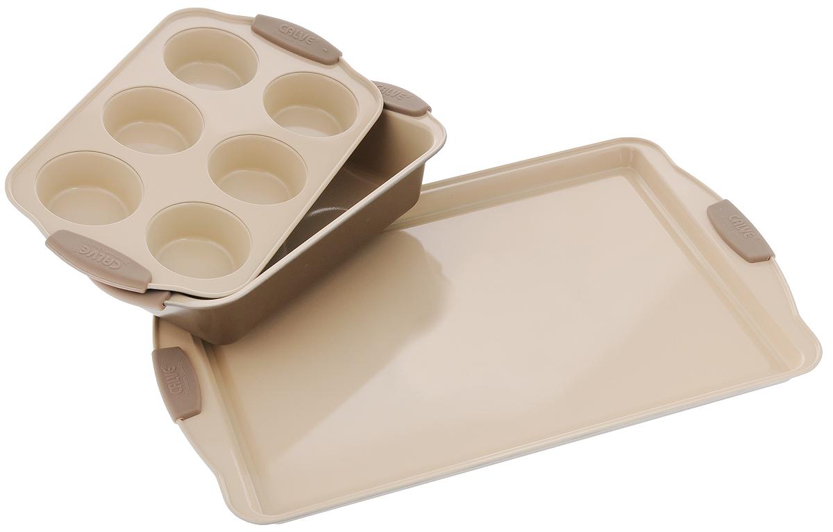 Набор для выпечки Calve, 3 предмета. CL-4629CL-4629Набор для выпечки Calve состоит из прямоугольного противня, формы для кексов с 6 ячейками и прямоугольной формы для выпечки. Изделия выполнены из высококачественной углеродистой стали с внутренним керамическим покрытием CERA-MATE и силиконовыми ручками. Пища в таких формах не пригорает и не прилипает к стенкам, готовые блюда легко вынимаются. Износостойкая конструкция обеспечивает долгий срок службы. Формы можно использовать в духовом шкафу при температуре до 260°С, а также мыть в посудомоечной машине. Размер противня: 44 х 30 х 2 см. Размер формы для кексов: 30,5 х 18 х 3,5 см. Диаметр ячейки для кекса: 7 см. Размер прямоугольной формы для выпечки: 29 х 15 х 6 см.