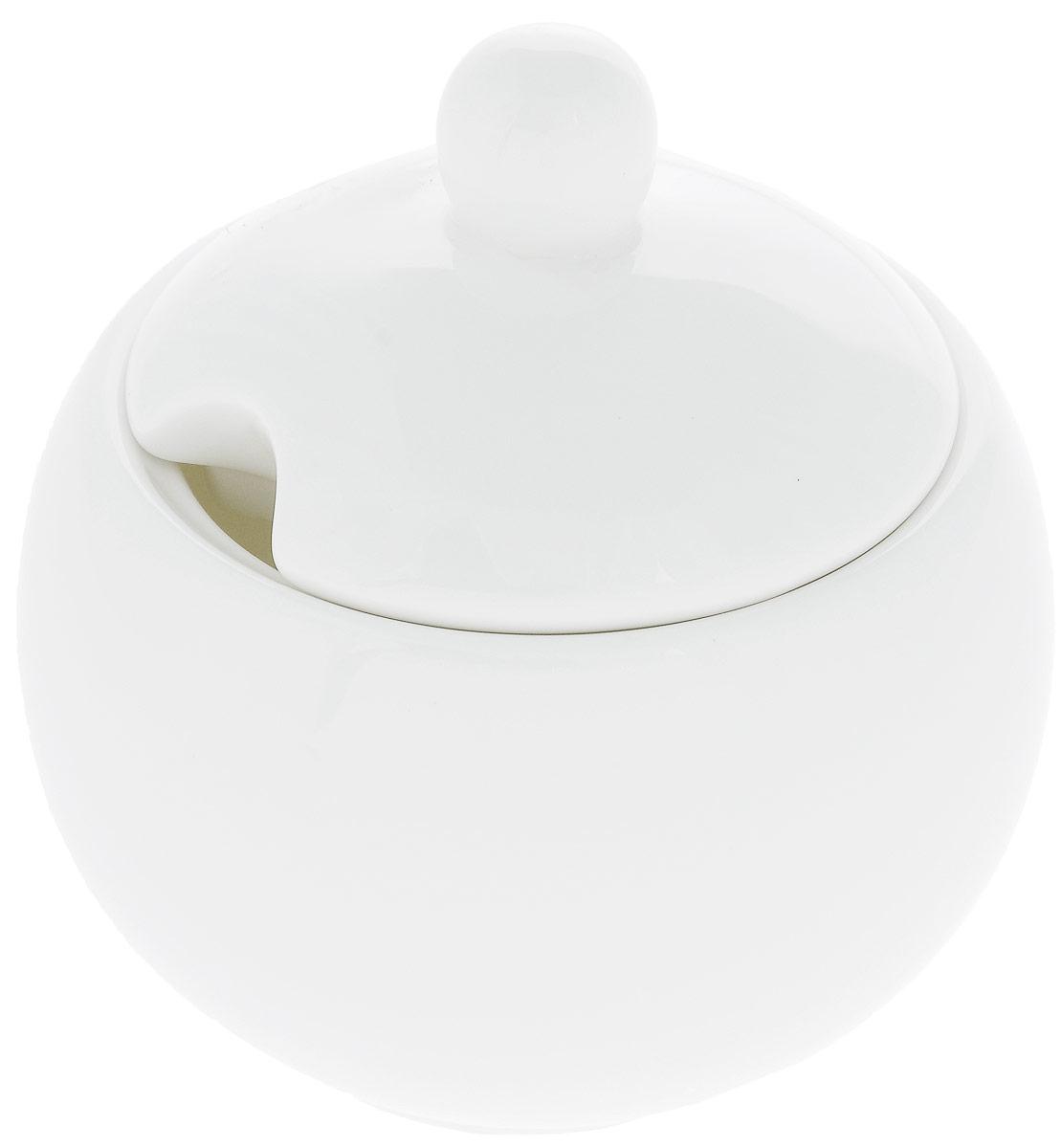 Сахарница Wilmax, 325 млWL-995001 / 1CСахарница Wilmax выполнена из высококачественного фарфора с глазурованным покрытием. Изделие имеет элегантную форму и может использоваться в качестве креманки. Десерт, поданный в такой посуде, будет ещё более сладким. Сахарница Wilmax станет отличным дополнением к сервировке семейного стола и замечательным подарком для ваших родных и друзей. Можно мыть в посудомоечной машине и использовать в микроволновой печи. Диаметр (по верхнему краю): 8 см. Высота (без учета крышки): 7 см.