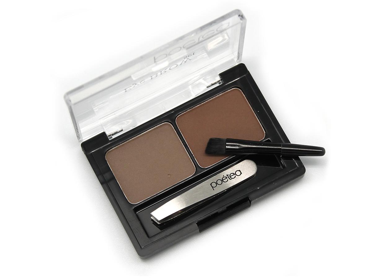POETEQ набор для бровей Eyebrow Sat, тон 91, 4 г57201Набор предназначен для создания правильной формы, корректировки цвета и густоты бровей, а также для создания деликатного или дымчатого контура глаз. Пудрированные, пигментированные тени для бровей высокой стойкости двух оттенков. Более темный оттенок применяется для прорисовки контура, более светлый для прокрашивания участков, незаполненных волосками. Тени обладает лёгкой шелковистой текстурой, прекрасно растушевываются и выглядят абсолютно естественно. Смягчающие и кондиционирующие добавки разглаживают непослушные волоски. Фиксация формы бровей происходит за счет полимерных добавок, введенных в состав теней. Микроструктурные полимеры застывают при нанесении, образуя ровное, гладкое, дышащие покрытие, устойчивое к воздействию солнца, тепла и пота. Миниатюрный пинцет для экстренного удаления лишних волосков. Кисточка с заострённым, скошенным краем, позволяющая точно и аккуратно прорисовывать контур и растушевывать и цветную пудру.