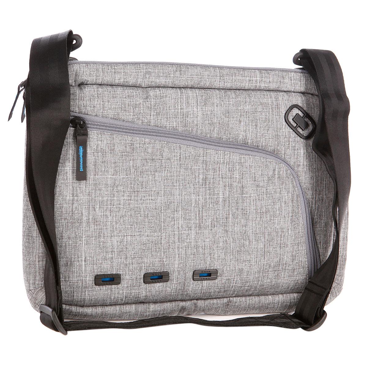 Сумка для ноутбука Ogio Newt Slim Case, цвет: серый, 10 л111068-351OGIO – высокотехнологичный продукт от американского производителя. Вместимые сумки для путешествий, работы и отдыха, специальная коллекция городских сумок для женщин, жесткие боксы под мелкий инвентарь и многое другое. Идеальная сумка для походов по траектории дом-офис или офис-кофейня, но можно и изменить маршрут, потому что, в любом случае, в New Slim можно всегда удобно и безопасно переносить 15-дюймовый ноутбук, планшет, документы и все остальные необходимые мелочи и гаджеты.