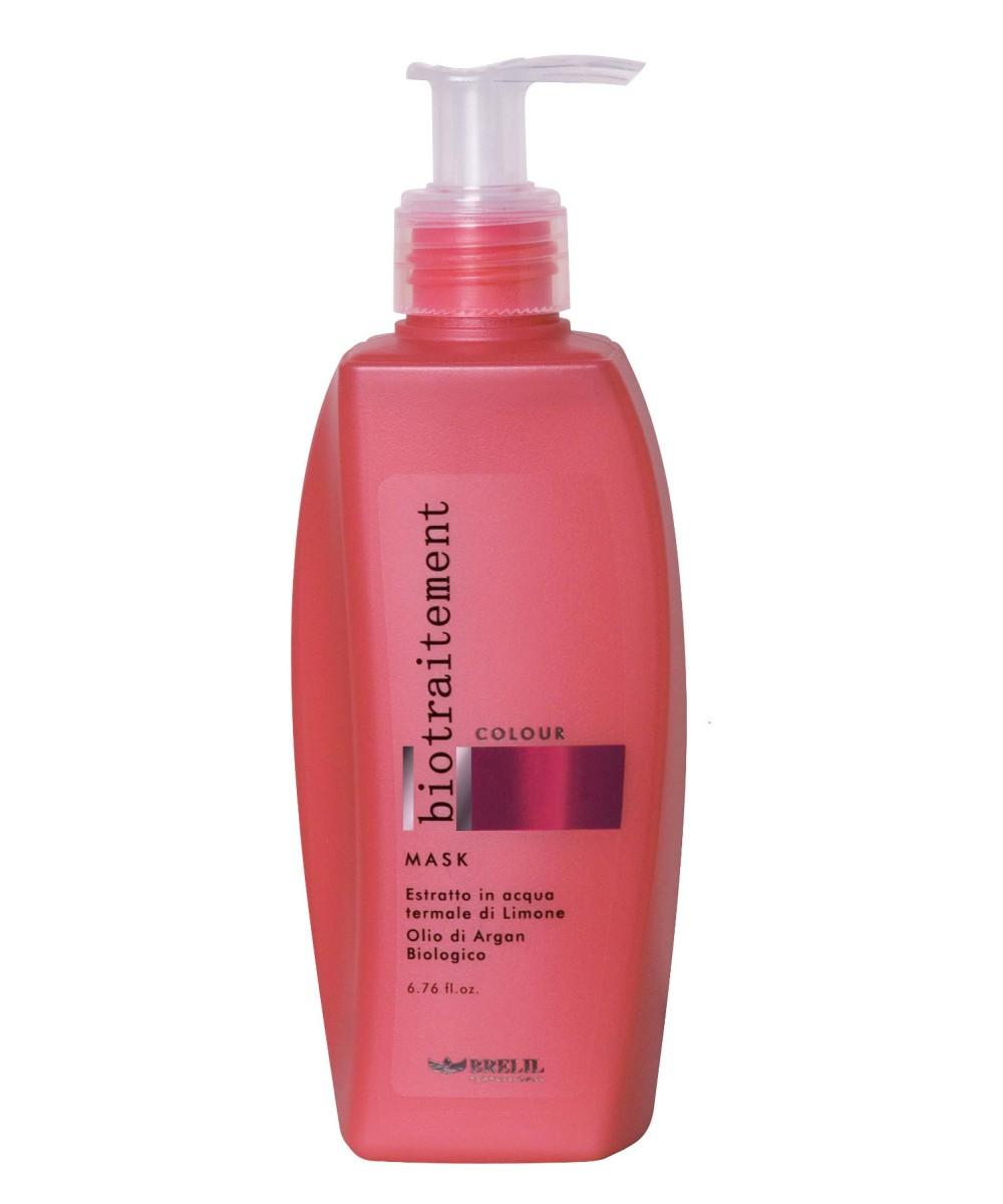 Brelil Маска для окрашенных волос Bio Traitement Colour Mask, 200 млFS-00103Brelil Bio Traitement Colour Mask Маска для окрашенных волос обеспечивает интенсивное питание и увлажнение волос, способствует сохранению стойкости цвета. Маска создана на основе формулы с экстрактом лимона и биологического арганового масла на термальной воде. Благодаря аргановому маслу, которое является одним из самых ценных и дорогих масел в мире, волосы получают необходимые питательные компоненты, которые проникают в структуру каждого волосяного стержня для его укрепления и нормализации водного баланса. В результате этого волосы становятся сильными, гибкими и блестящими уже после нескольких применений средства.Маска Брелил Colour Mask насыщает волосы всеми необходимыми минералами, аминокислотами и витаминами. При регулярном применении маски волосы становятся необычайно послушными, мягкими и блестящими. Активные компоненты: термальная вода, аргановое масло, экстракт лимона, пантенол.