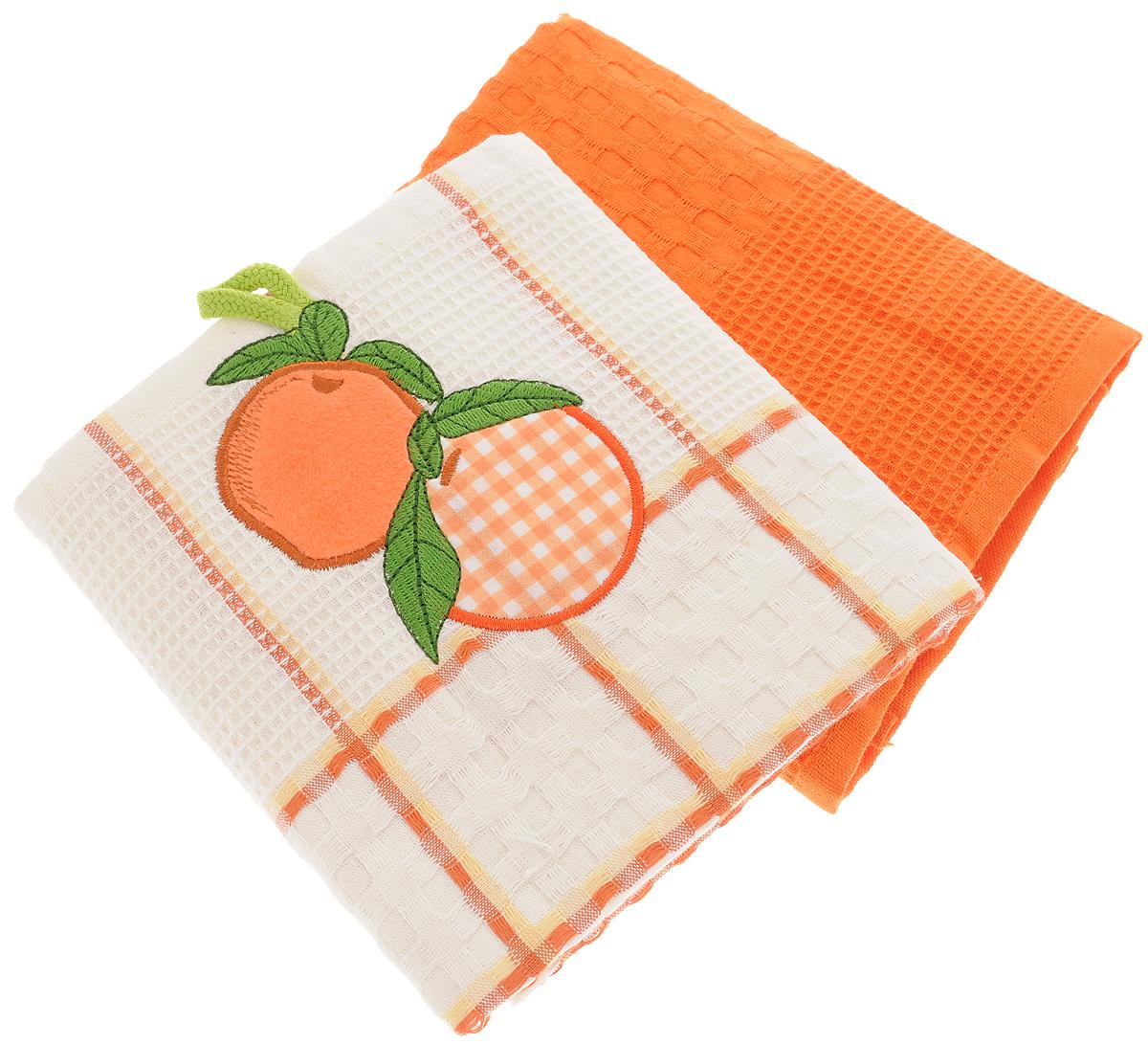 Набор кухонных полотенец Bonita Апельсин, цвет: белый, терракот, 45 х 70 см, 2 шт101310101Набор кухонных полотенец Bonita Апельсин состоит из двух полотенец, изготовленный из натурального хлопка, идеально дополнит интерьер вашей кухни и создаст атмосферу уюта и комфорта. Одно полотенце белого цвета в терракотовую клетку оформлено вышивкой в виде апельсинов и оснащено петелькой. Другое полотенце однотонное терракотового цвета без вышивки. Изделия выполнены из натурального материала, поэтому являются экологически чистыми. Высочайшее качество материала гарантирует безопасность не только взрослых, но и самых маленьких членов семьи. Современный декоративный текстиль для дома должен быть экологически чистым продуктом и отличаться ярким и современным дизайном.