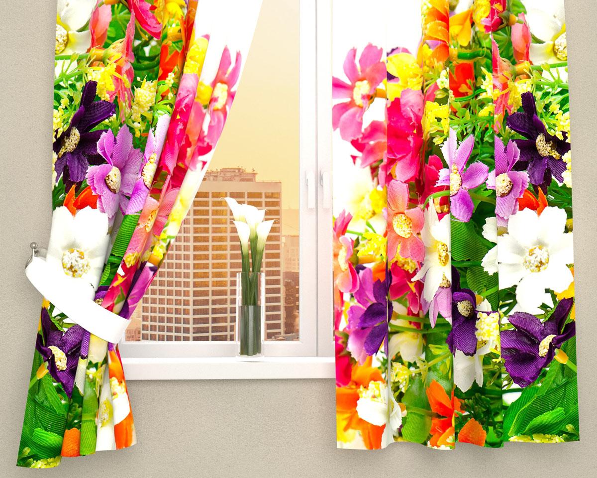 Комплект фотоштор Сирень Весенние полевые цветы, на ленте, высота 160 см10503Фотошторы для кухни Сирень Весенние полевые цветы, выполненные из габардина (100% полиэстера), отлично дополнят украшение любого интерьера. Особенностью ткани габардин является небольшая плотность, из-за чего ткань хорошо пропускает воздух и солнечный свет. Ткань хорошо держит форму, не требует специального ухода. Крепление на карниз при помощи шторной ленты на крючки. В комплекте 2 шторы. Ширина одного полотна: 145 см.Высота штор: 160 см.Рекомендации по уходу: стирка при 30 градусах, гладить при температуре до 110 градусов.Изображение на мониторе может немного отличаться от реального.Подхваты в комплект не входят.