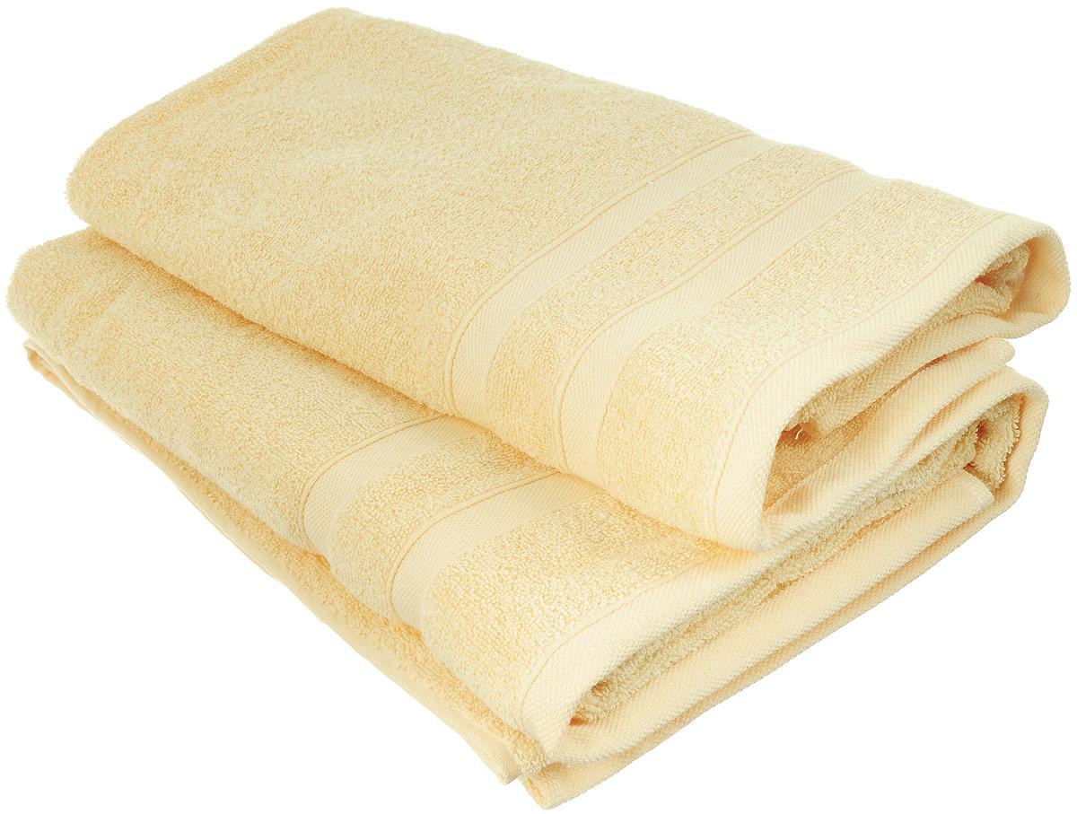 Набор хлопковых полотенец Home Textile, цвет: желтый, 2 штLX-OZ06Набор Home Textile состоит из двух полотенец разного размера, выполненных из качественной натуральной махры (100% хлопок). Полотенца имеют гладкую, приятную на ощупь текстуру, край украшен классическим двойным бордюром. Мягкие и уютные, они прекрасно впитывают влагу и легко стираются. Кроме того, хлопковые полотенца отличаются высокой износоустойчивостью и долгим сроком службы. Такой набор полотенец подарит массу положительных эмоций и приятных ощущений. Размеры полотенец: 50 х 90 см; 70 х 140 см.