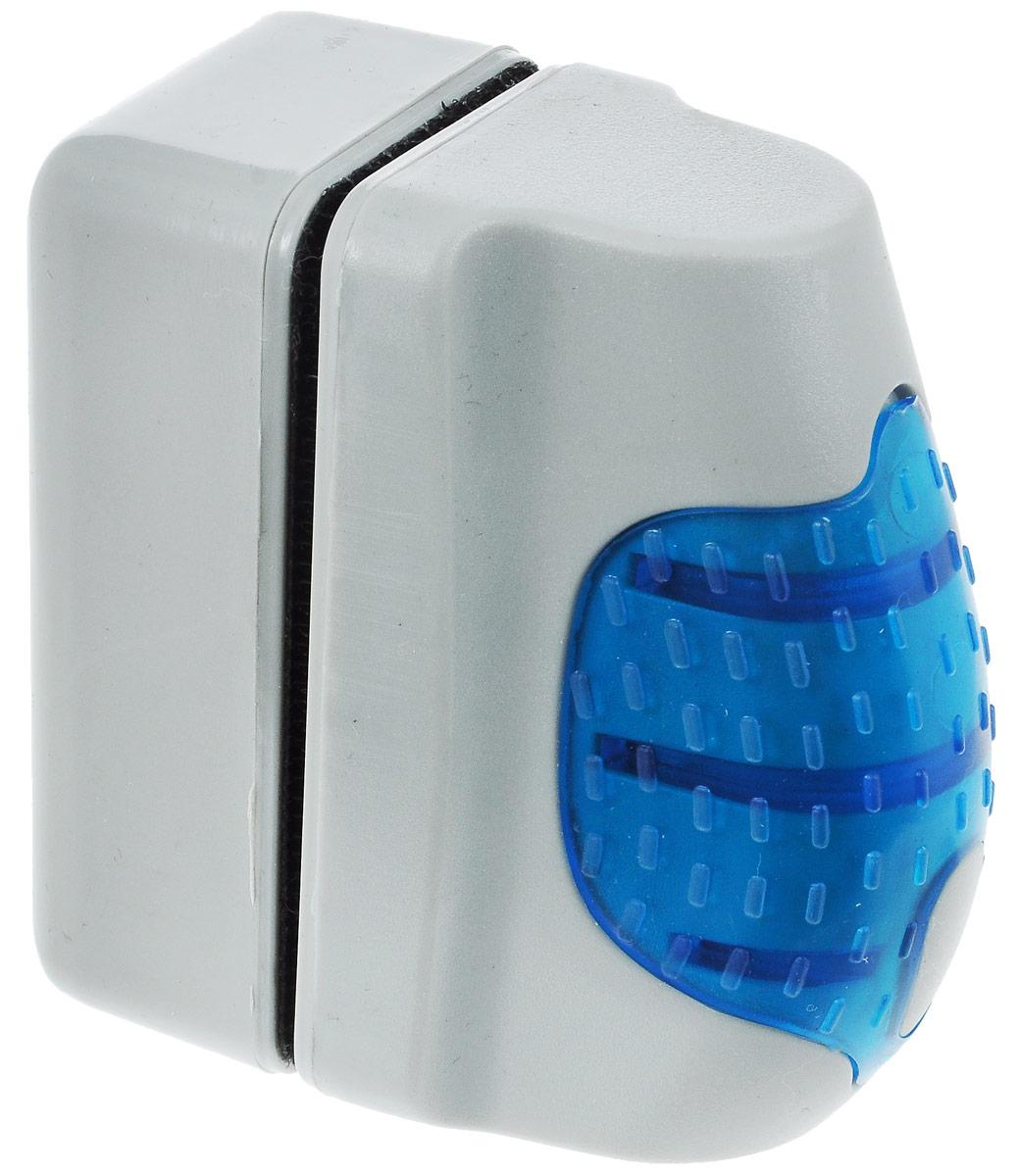 Щетка аквариумная Barbus №1, магнитная, всплывающаяSB-1BMINМагнитный скребок Barbus №1 предназначен для быстрой и тщательной очистки стекол аквариума от налета и обрастаний. Ключевые преимущества: - Скребок позволяет осуществлять чистку в труднодоступных местах, не прибегая к дополнительному погружению. - За счет эффекта поплавка можно избежать потери скребка на дне аквариума, а за счет мощного магнита можно вернуть его в нужное положение. - Инновационный материал подушечек позволяет эффективно удалять водоросли со стекла, не нанося при этом царапин на поверхность. Размер рабочей поверхности скребка: 7 х 3,5 см. Общий размер: 6,5 х 3,5 х 7 см.
