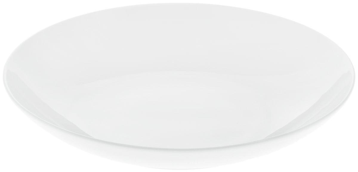 Блюдо Wilmax, диаметр 30,5 см. WL-991119 / AWL-991119 / AБлюдо Wilmax изготовлено из высококачественного фарфора с глазурованным покрытием. Материал легкий, тонкий, свет без труда проникает сквозь изделие. Посуда имеет роскошную белизну, гладкость и блеск достигаются за счет особой рецептуры глазури. Изделие обладает низкой водопоглощаемостью, высокой термостойкостью и ударопрочностью, а также экологичностью. Посуда долговечна и рассчитана на постоянное интенсивное использование. Гладкая непористая поверхность исключает проникновение бактерий, изделие не будет впитывать посторонние запахи и сохранит первоначальный цвет. Блюдо углубленное, оно имеет круглую форму и не имеет полей, прекрасно подойдет для подачи различных закусок, сладостей, салатов, фруктов и ягод. Такое блюдо украсит ваш праздничный или обеденный стол, а оригинальный дизайн придется по вкусу и ценителям классики, и тем, кто предпочитает утонченность и изысканность. Можно мыть в посудомоечной машине и использовать в...