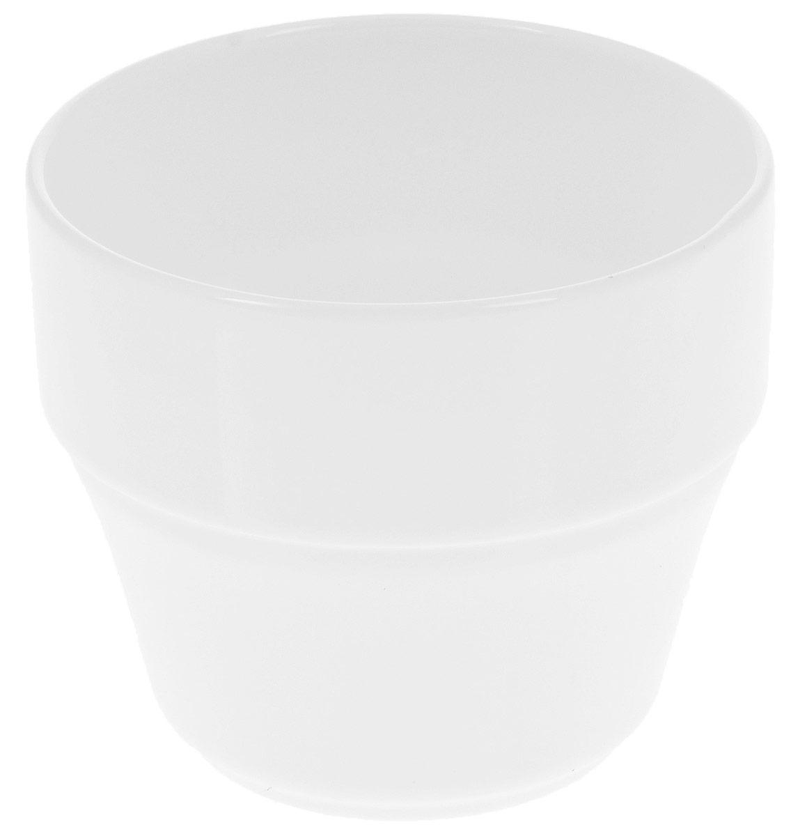 Кружка Wilmax, штабелируемая, 220 мл. WL-993043 / AWL-993043 / AКружка Wilmax изготовлена из высококачественного фарфора, покрытого глазурью. Материал легкий, тонкий, свет без труда проникает сквозь изделие. Посуда имеет роскошную белизну, гладкость и блеск достигаются за счет особой рецептуры глазури. Изделие обладает низкой водопоглощаемостью, высокой термостойкостью и ударопрочностью, а также экологичностью. Посуда долговечна и рассчитана на постоянное интенсивное использование. Гладкая непористая поверхность исключает проникновение бактерий, изделие не будет впитывать посторонние запахи и сохранит первоначальный цвет. Кружка штабелируемая, то есть несколько кружек легко вставляются друг в друга, что экономит место при хранении. Такая кружка пригодится в любом хозяйстве, она функциональная, практичная и легкая в уходе. Можно мыть в посудомоечной машине и использовать в микроволновой печи. Диаметр (по верхнему краю): 7,5 см. Высота стенки: 7 см.