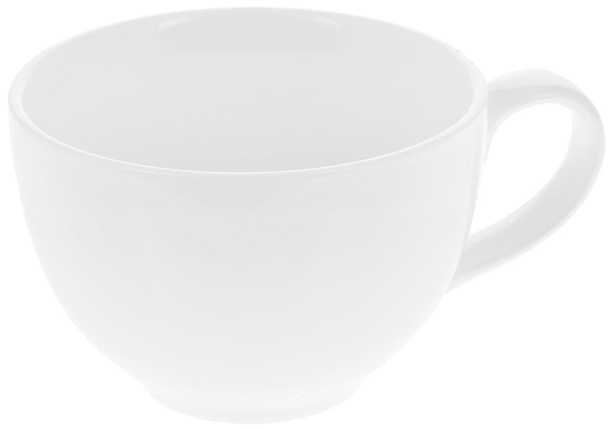 Кружка Wilmax Джамбо, 420 мл115610Кружка Wilmax Джамбо изготовлена из высококачественного фарфора, покрытого глазурью. Материал легкий, тонкий, свет без труда проникает сквозь изделие. Посуда имеет роскошную белизну, гладкость и блеск достигаются за счет особой рецептуры глазури. Изделие обладает низкой водопоглощаемостью, высокой термостойкостью и ударопрочностью, а также экологичностью. Посуда долговечна и рассчитана на постоянное интенсивное использование. Гладкая непористая поверхность исключает проникновение бактерий, изделие не будет впитывать посторонние запахи и сохранит первоначальный цвет. Такая кружка пригодится в любом хозяйстве, она функциональная, практичная и легкая в уходе. Диаметр (по верхнему краю): 11 см. Высота стенки: 8 см.