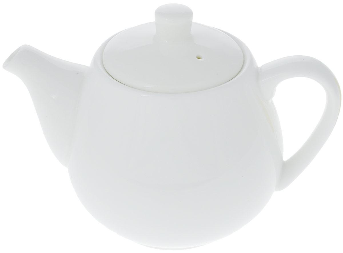 Чайник заварочный Wilmax, 500 мл. WL-994030 / 1CWL-994030 / 1CЗаварочный чайник Wilmax изготовлен из высококачественного фарфора. Глазурованное покрытие обеспечивает легкую очистку. Изделие прекрасно подходит для заваривания вкусного и ароматного чая, а также травяных настоев. Отверстия в основании носика препятствует попаданию чаинок в чашку. Оригинальный дизайн сделает чайник настоящим украшением стола. Он удобен в использовании и понравится каждому. Можно мыть в посудомоечной машине и использовать в микроволновой печи. Диаметр чайника (по верхнему краю): 7 см. Высота чайника (без учета крышки): 9 см. Высота чайника (с учетом крышки): 11,5 см.