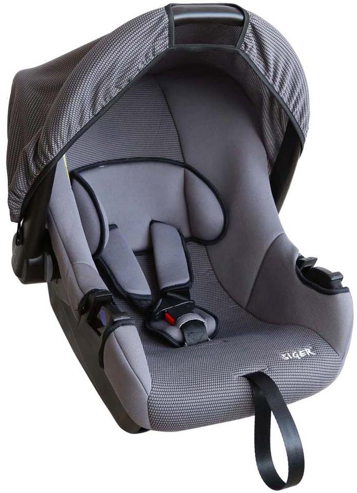 Siger Автокресло Эгида цвет серый от 0 до 13 кгKRES0067Детское автокресло Siger Эгида разработано для детей от рождения и до 1,5 лет, весом до 13 кг. Относится к возрастной группе 0+. Мягкий вкладыш-подголовник обеспечивает дополнительный комфорт во время поездки. Съемный капюшон защищает ребенка от солнца, а удобная ручка позволяет без лишних усилий переносить ребенка, как в обычной люльке. Ярко выраженная боковая защита позволяет повысить уровень безопасности при боковых ударах и резких поворотах. Детские удерживающие устройства Siger разработаны и выполнены в России с учетом анатомии российских детей. Двухпозиционная регулировка внутренних ремней позволяет адаптировать кресло под зимнюю и летнюю одежду ребенка. Автокресло успешно прошло все необходимые краш-тесты и имеет сертификат соответствия техническому регламенту РФ и таможенному союзу. В детском автомобильном кресле Siger ваш ребенок будет путешествовать в безопасности и с удовольствием!