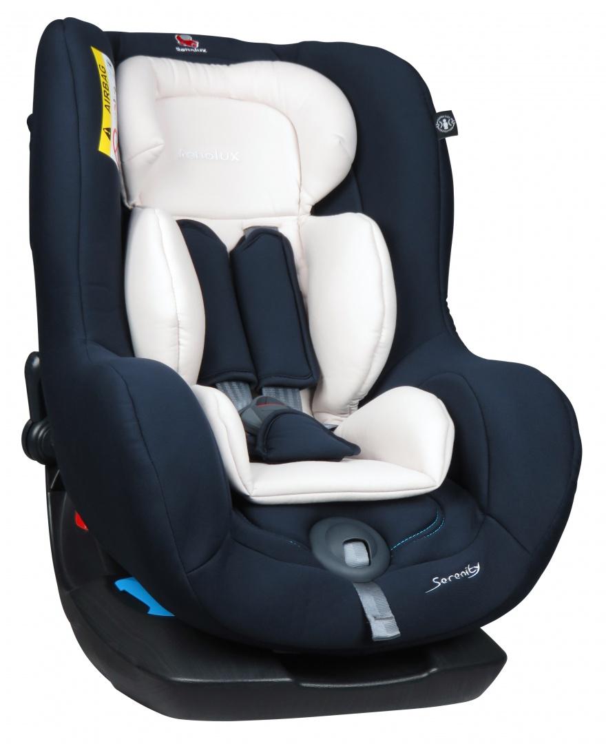 Renolux Автокресло Serenity MidnightNLT.48.67.22.100Детское автокресло Renolux модель Serenity возрастная группа 0/1 (от 0 до 18 кг).Детское автокресло Renolux Serenity предназначено для перевозки в автомобиле детей возрастной группы 0+/1 (с рождения до 18 кг, примерно до 4 лет), полностью соответствует европейскому стандарту безопасности ECE R044/04. Кресло повышенной комфортности, так как продуманный корпус в форме чаши и мягкий вкладыш-адаптер для новорожденных, обеспечивают дополнительное удобство. Стильный дизайн наверняка придется по вкусу современным родителям. Модель создана с применением инновационной технологии HD-CONFORT: пена высокой плотности на каркасе из высокопрочной стали. Кресло Renolux Serenity можно устанавливать по ходу (примерно от 1 года) и против хода движения автомобиля. Кресло фиксируется при помощи штатных ремней безопасности автомобиля, а сам ребенок пятиточечными внутренними ремнями безопасности автокресла.Выбирая эту модель кресла, вы можете быть уверены, что она спроектирована и произведена во Франции.