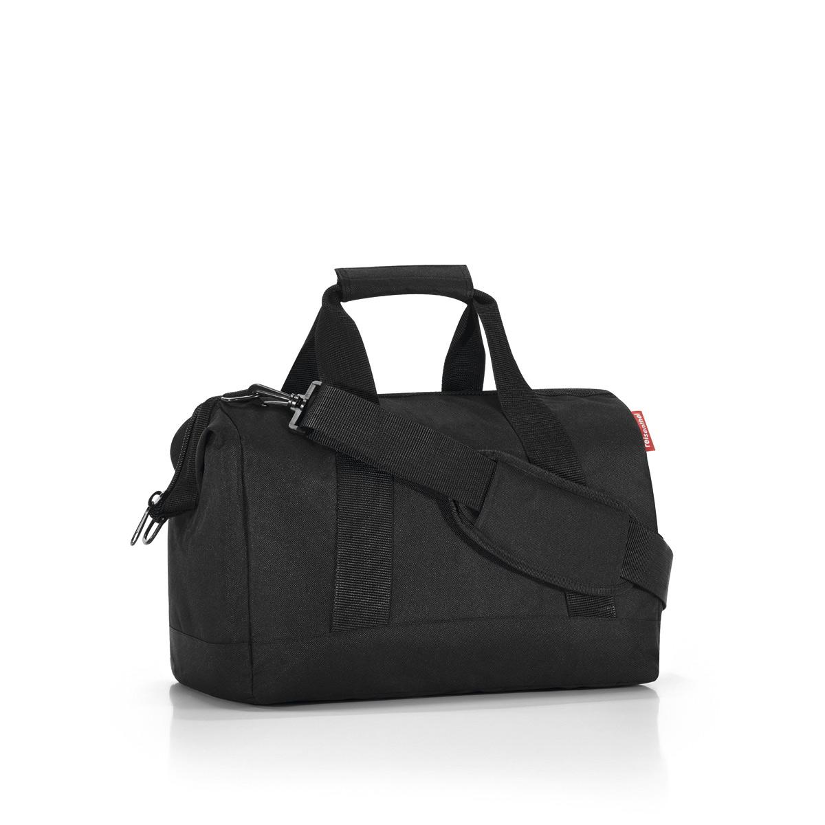 Сумка Reisenthel Allrounder M black, цвет: черный. MS700373298с-1Сумка хоть куда - и в путешествие, и в спортзал. Вместит все, от носков до пиджака. Приятные объемные стенки и дно создают силуэт, напоминающий старинные врачебные сумки. Застегивается на молнию, плюс внутрь встроены металлические скобы, фиксирующие ее в открытом состоянии. Внутри 6 кармашков для организации вещей. У сумки две удобные ручки и ремень регулируемой длины. Объем - 18 литров.