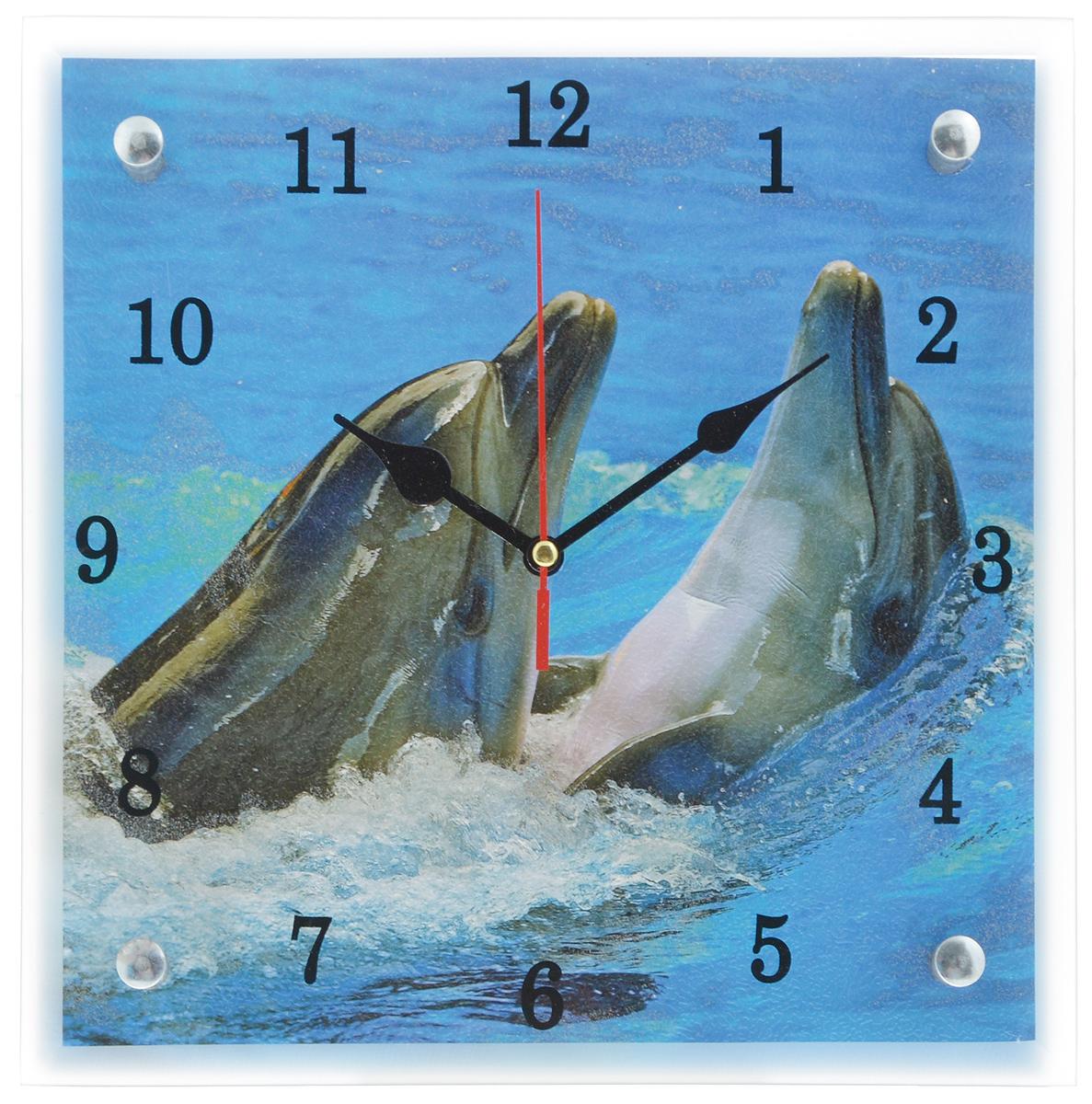 Часы настенные Proffi Home Дельфины, 25 х 25 смВ576Настенные кварцевые часы Proffi Home Дельфины, изготовленные из ДВП и стекла, прекрасно подойдут под интерьер вашего дома. Квадратные часы имеют три стрелки: часовую, минутную и секундную. Часы оснащены металлической петелькой для подвешивания. Часы работают от 1 батарейки типа АА напряжением 1,5 В (не входит в комплект). Размер часов: 25 х 25 х 3,5 см.
