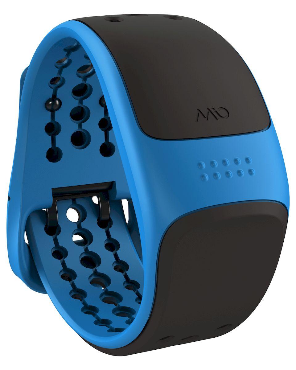 Пульсометр Mio VELO Blue Large, цвет: синий, серый57P-BLUMio VELO - это продвинутая версия Mio LINK для велосипедистов. Он принимает данные с датчиков скорости и каденса по протоколу ANT+, и далее, по протоколу Bluetooth Smart (Bluetooth 4.0) передает эти данные и динамику пульса с встроенного сенсора на совместимые устройства - смартфоны с фитнес-приложениями или совместимые GPS-часы - Датчик пульса (MIO Optical Heart Rate Technology) - Подключается к смартфону по Bluetooth Smart (Bluetooth 4.0) - Возможность подключения велосипедных датчиков по ANT+ - Водонепроницаемость - 30 метров - RGB-светодиод, индицирующей одну из пяти пульсовых зон - Аккумулятор: 1 месяц с выключенным пульсометром / 8 часов в режиме тренировки - Совместимость: iPhone & Android, Bluetooth Smart совместимые GPS-часы, велокомпьютеры и другое спортивное оборудование - Собственнные приложения и популярные сторонние (Runkeeper, Endomondo, Nike+, Adidas, Runtastic и др.)