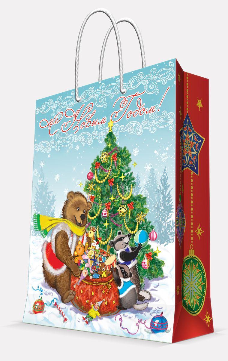 Пакет подарочный Magic Time Медвежонок и еноты, 26 х 32,4 х 12,7 см42009Подарочный пакет Magic Time Медвежонок и еноты, изготовленный из плотной бумаги, станет незаменимым дополнением к выбранному подарку. Пакет выполнен с глянцевой ламинацией, что придает ему прочность, а изображению - яркость и насыщенность цветов. Для удобной переноски на пакете имеются две ручки из шнурков. Подарок, преподнесенный в оригинальной упаковке, всегда будет самым эффектным и запоминающимся. Окружите близких людей вниманием и заботой, вручив презент в нарядном, праздничном оформлении. Плотность бумаги: 140 г/м2.