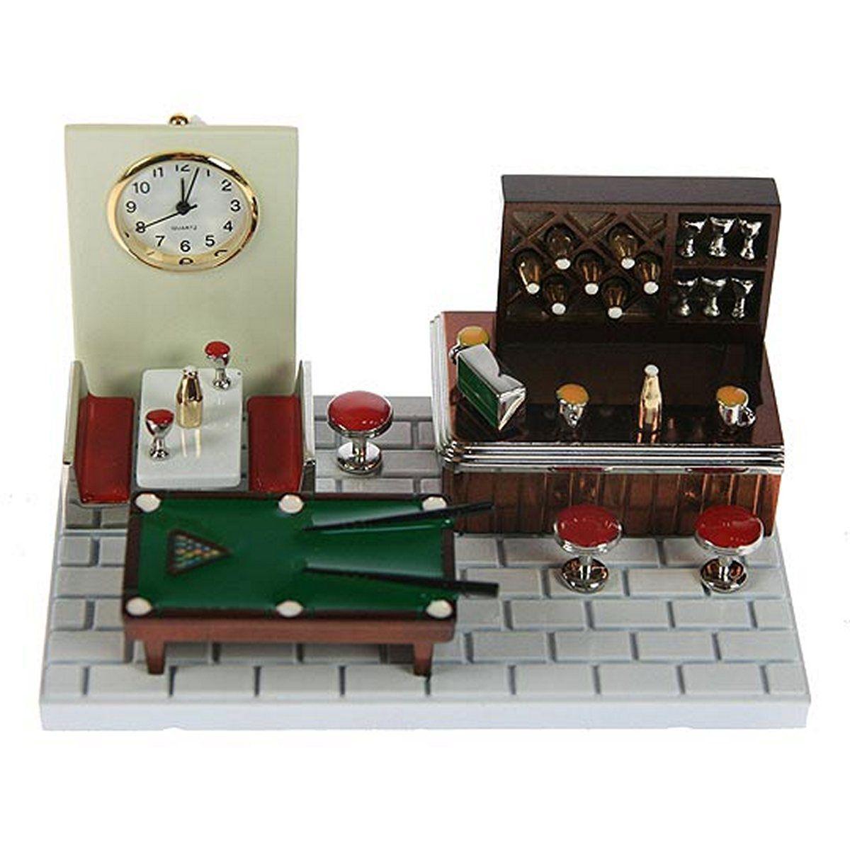 Часы настольные Русские Подарки Бар, 11 х 7 х 6 см. 2240522405Настольные кварцевые часы Русские Подарки Бар изготовлены из металла, циферблат защищен стеклом. Корпус оригинально оформлен в виде барной стойки с бильярдным столом. Часы имеют три стрелки - часовую, минутную и секундную. Такие часы украсят интерьер дома или рабочий стол в офисе. Также часы могут стать уникальным, полезным подарком для родственников, коллег, знакомых и близких. Часы работают от батареек типа SR626 (в комплект не входят).