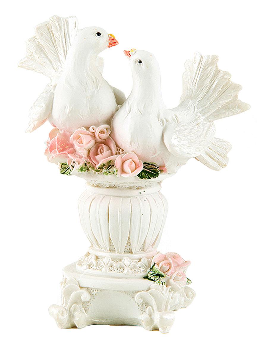 Фигурка декоративная Win Max Свадебные голуби, 10 х 7 х 12 см. 127843U0252-081-GC1_вид 2Декоративная фигурка Win Max Свадебные голуби изготовлена из полистоуна. Изделие представляет собой фигурку двух голубей. Такая фигурка идеально впишется в свадебный интерьер в качестве украшения и будет радовать вас своим видом в самый важный день в вашей жизни.