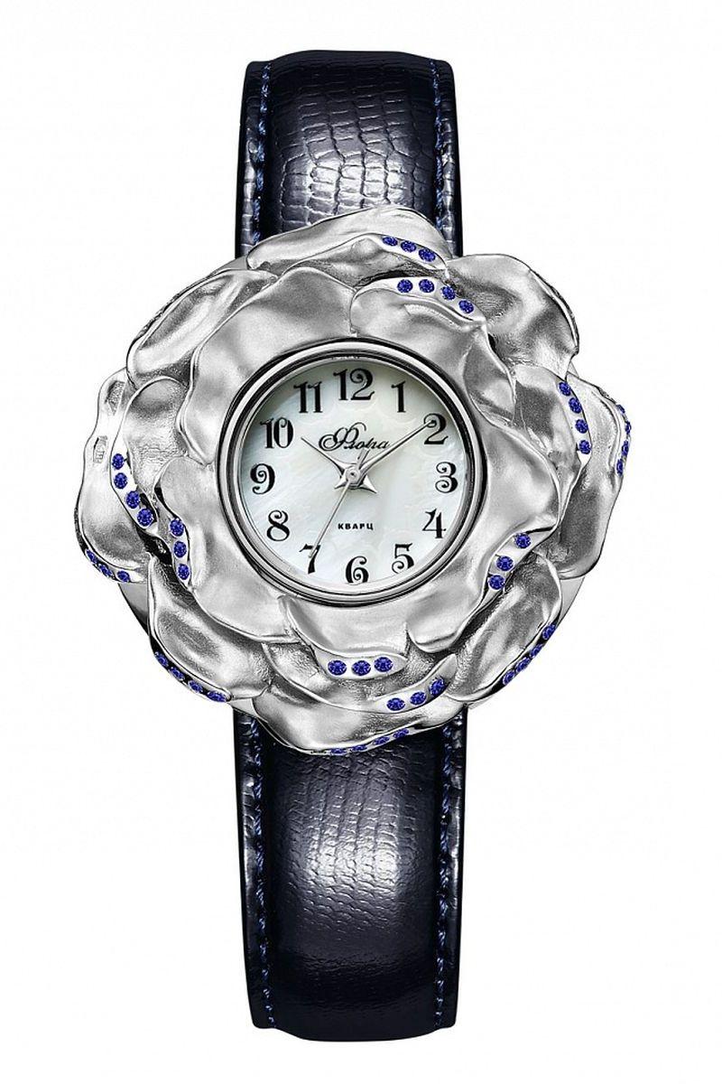Часы наручные женские Mikhail Moskvin, цвет: серебристый, темно-синий. 1143S2-В6L2/101143S2-В6L2/10Роскошная модель для искушенных ценителей - результат художественного вдохновения ювелиров и сложных конструкторских решений часовщиков. При изготовлении этих часов были использованы самые лучшие материалы. Накладка весом 11,5 грамма из серебра 925 пробы в виде восхитительной розы инкрустирована темно-синими цирконами, сочетающимися по цвету с ремнем из натуральной кожи. В модели используется кварцевый высокоточный механизм производства Miyota Sitizen (Япония). Корпус, диаметром 36 мм, для придания стойкости к коррозии и безупречного вида покрыт по современной технологии – ионным напылением стали.
