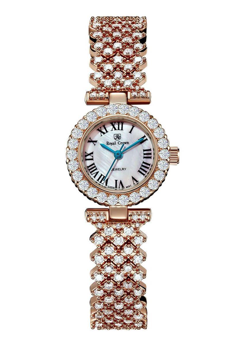 Часы наручные женские Royal Crown, цвет: золотой. 6305-RSG-56305-RSG-5Наручные кварцевые часы Royal Crown выполнены из высококачественного металла и оформлены вставками из страз. Браслет оснащен удобной металлической застежкой, которая надежно зафиксирует изделие на запястье. Часы оснащены минеральным, устойчивым к царапинам, стеклом с сапфировым напылением и задней крышкой из гипоаллергенной нержавеющей стали.
