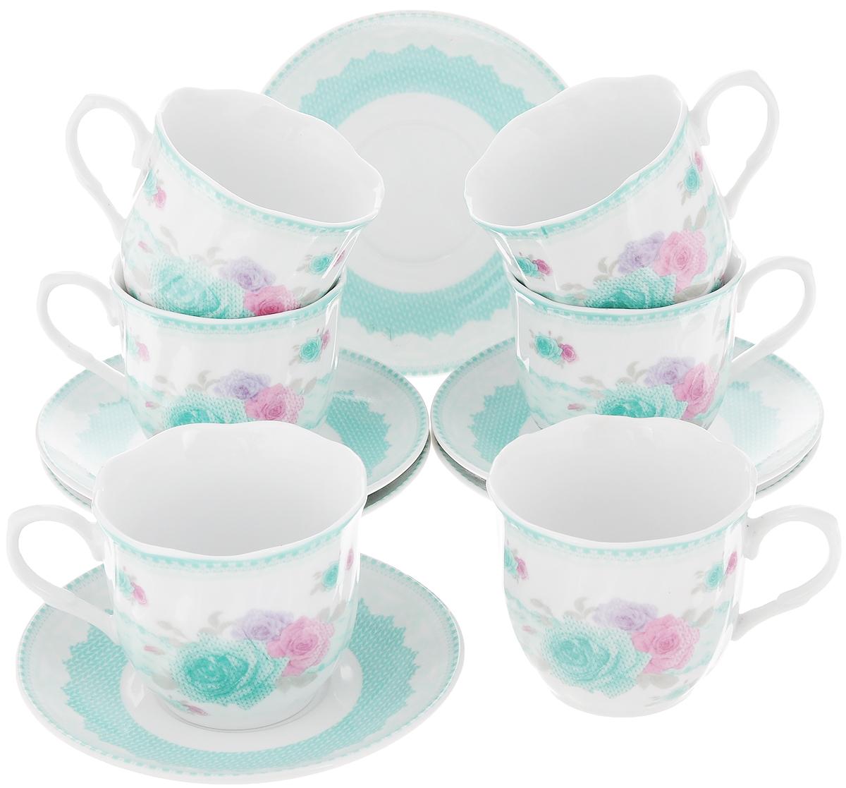 Чайный сервиз Loraine Цветы, 12 предметов115510Чайный сервиз Loraine Цветы состоит из 6 чашек и 6 блюдец. Изделия выполнены из высококачественного фарфора и украшены изящным рисунком. Такой сервиз будет великолепно смотреться на столе, он отлично дополнит сервировку стола для чаепития и порадует вас изысканным дизайном и качеством исполнения. Сервиз упакован в подарочную картонную коробку, задрапированную белой атласной тканью. Чайный сервиз Loraine Цветы станет хорошим подарком к любому случаю и порадует получателя. Объем чашки: 220 мл. Диаметр чашки (по верхнему краю): 8 см. Высота чашки: 7,5 см. Диаметр блюдца: 13,5 см.