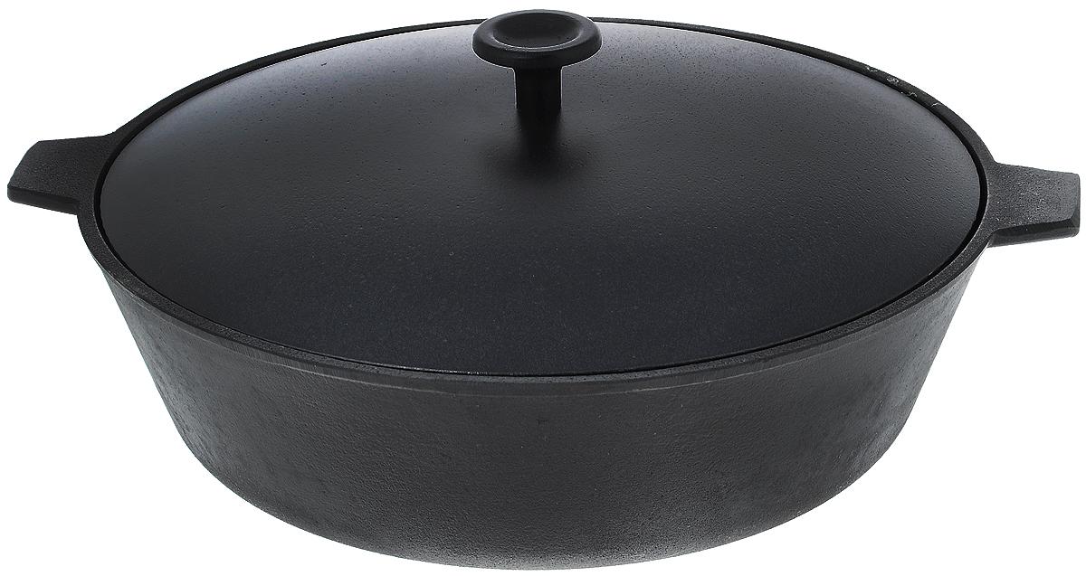 Сковорода чугунная Добрыня, с крышкой. Диаметр 28 см. DO-3323DO-3323Сковорода Добрыня, изготовленная из натурального экологически безопасного чугуна, оснащена двумя ручками и алюминиевой крышкой. Чугун является одним из лучших материалов для производства посуды. Его можно нагревать до высоких температур. Он очень практичный, не выделяет токсичных веществ, обладает высокой теплоемкостью и способен служить долгие годы. Такая сковорода замечательно подойдет для приготовления жаренных и тушеных блюд. Дно рельефное. Подходит для всех типов плит, включая индукционные. Не рекомендуется мыть в посудомоечной машине. Диаметр сковороды (по верхнему краю): 28 см. Ширина сковороды (с учетом ручек): 33,5 см. Диаметр индукционного диска: 19 см. Высота стенки: 8,5 см.