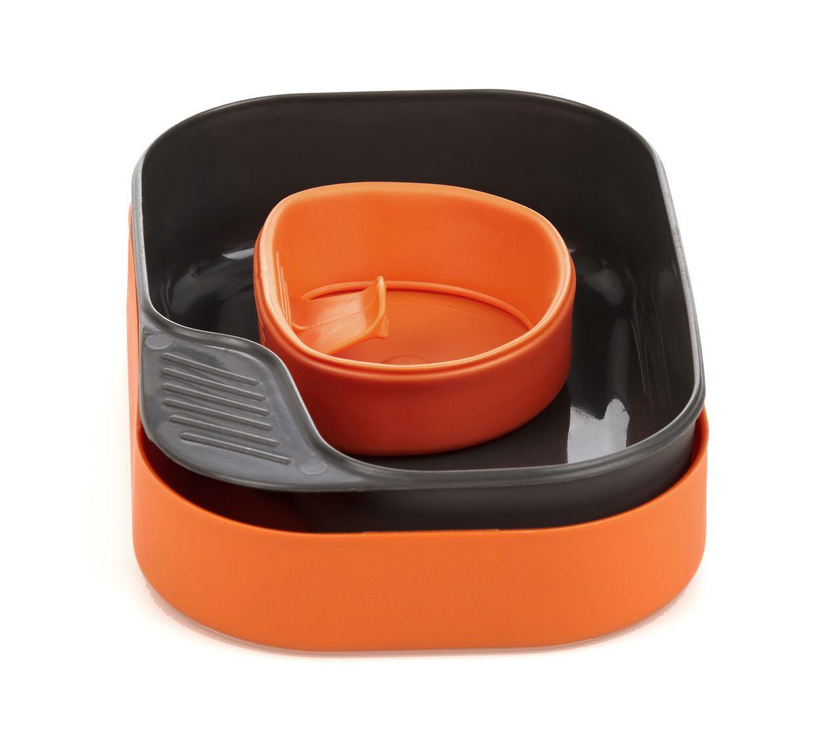 Набор посуды Wildo Camp-a-Box Basic, портативный, цвет: оранжевый. W30262W30262CAMP-A-BOX® Необходимость в природе, от дня в день, от человека к человеку может меняться. Но знание того, что вы всегда хорошо оснащены и экипированы неизменно. Проверенный в шведских условиях на протяжении десятилетий - это наш оригинальный набор CAMP-A-BOX®, которому можно доверять. Оригинальный CAMP-A-BOX® отвечает всем вашим потребностям и поставляется в трех вариантах, все с компактным и практичным дизайном: Портативный набор посуды CAMP-A-BOX® BASIC Комплектация: БАЗОВАЯ. Подходит идеально, если вы просто хотите, упаковать бутерброды в контейнер и выпить чашку любимого напитка. Включает в себя: - нижнюю часть контейнера (она же средняя тарелка) - верхнюю часть контейнера - крышка (она же большая тарелка ), - и кружку Fold-A-Cup®, Не содержит бисфенол. Вес: 140 г / 4,7 унции Размер: 19x13x5 см / 7,5 х 5,1 / 1,97in Материал: PP, TPE