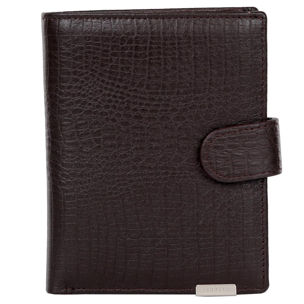 Кошелек мужской Fabretti, цвет: темно-коричневый. 47503ICE 8508Элегантный мужской кошелек от итальянского бренда Fabretti выполнен из натуральной кожи с ярким тиснением под рептилию. Фурнитура выполнена в серебряном цвете. Внутри модели находится 1 отделение для купюр. Вы с легкостью сможете расположить 5 дисконтных и кредитных карточек, а также всю мелочь с помощью удобного кармана. Кошелек закрывается на прочную застежку.