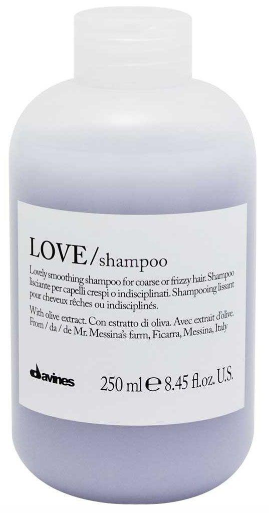 Davines Шампунь для разглаживания завитка Essential Haircare New Love Lovely Smoothing Shampoo, 250 мл4605845001449Особая серия для мягкого очищения кудрявых волос. Активный экстракт миндаля очищает и питает локоны. Богатая важными антиоксидантами формула восстанавливает локоны. Протеины, ненасыщенные жиры, витамины В и Е, магний, калий, железо, медь и фосфор в высокой концентрации обеспечивают благоприятное воздействие на кудри, полностью очищают волосы, дарят им свежесть, гибкость, объем и чистоту.