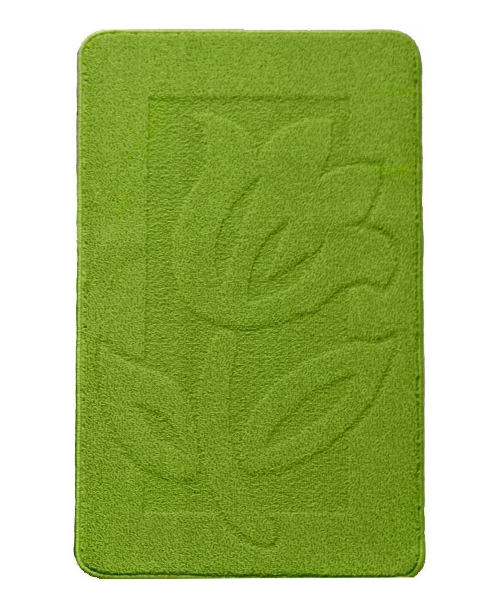 Коврик для ванной Kamalak Tekstil, цвет: зеленый, 60 x 100 см. УКВ-1011УКВ-1011Ковры-паласы выполнены из полипропилена. Ковры обладают хорошими показателями теплостойкости и шумоизоляции. Являются гиппоалергенными. За счет невысокого ворса ковры легко чистить. Вам придется по душе широкая гамма цветов и возможность гармонично оформить интерьер. Практичный и устойчивый к износу ворс - от постоянного хождения не истирается, не накапливает статическое электричество. Структура волокна в полипропиленовых моделях гладкая, поэтому грязь не может выесться, на ворсе она скапливается с трудом. Полипропилен не впитывает влагу, отталкивает водянистые пятна. Уход: Самый простой способ избавить изделие от грязи – пропылесосить его с обеих сторон (лицевой и изнаночной). Влажная уборка с применением шампуней и моющих средств не противопоказана. Если шерсти и шёлку универсальные чистящие составы не подходят, то для синтетики они придутся в самый раз. Хранить их нужно рулоном, не складывая «салфеткой». При надлежащем уходе синтетический ковёр прослужит долго, не утратив ни...