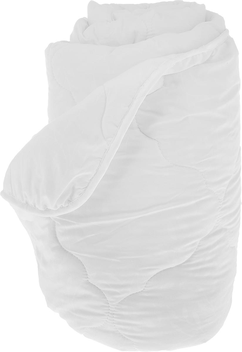 Одеяло Sova & Javoronok, наполнитель: полиэфирное волокно, эвкалипт, цвет: белый, 172 х 205 см5030116691Одеяло Sova & Javoronok подарит вам спокойный и комфортный сон. Чехол изделия выполнен из микрофибры (100% полиэстер), оформлен стежкой и надежно удерживает наполнитель внутри. Наполнитель одеяла изготовлен из 10% эвкалипта и 90% полиэфирного волокна. Эвкалиптовое волокно - это уникальный по своим свойствам материал. Он обеспечивает хорошую терморегуляцию, обладает воздухонепроницаемостью и гигроскопичностью, он ультрамягкий, натуральный и долговечный. Изделия с эвкалиптовым наполнителем очень мягкие, дарят свежесть, снимают усталость, восстанавливают энергетический баланс человека. Кроме того, эвкалиптовое волокно не создает благоприятной среды для развития патогенной микрофлоры, поэтому в нем не размножаются микробы и бактерии. Это свойство хорошо влияет на здоровье и самочувствие людей. В состав наполнителя добавлено полиэфирное волокно, которое не впитывает посторонних запахов и легко стирается. Рекомендации по уходу:...