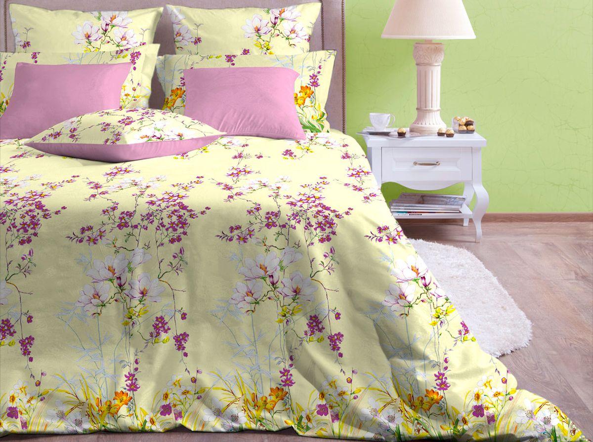 Комплект белья Хлопковый Край Весна, 2-спальный, наволочки 70x7020б-1ХКссКомплект постельного белья выполнен из качественной бязи и украшен оригинальным рисунком. Комплект состоит из пододеяльника, простыни и двух наволочек. Бязь представляет из себя хлопчатобумажную матовую ткань (не блестит). Главные отличия переплетения: оно плотное, нити толстые и частые. Из-за этого материал очень прочный и практичный. Постельное белье Хлопковый Край экологичное, гипоаллергенное, оно легко стирается и гладится, не сильно мнется и выдерживает очень много стирок, при этом сохраняя яркость цвета и рисунка.