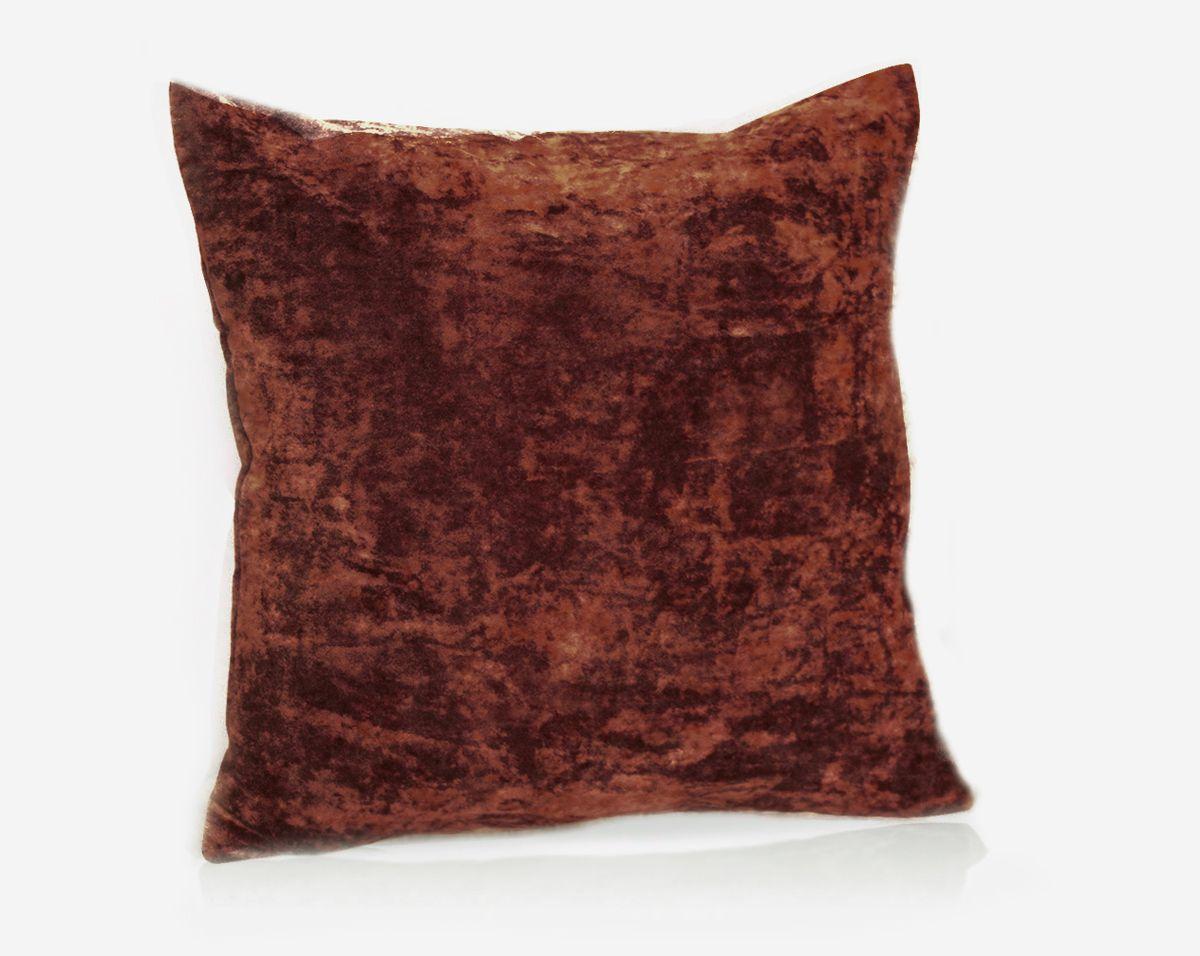 Подушка декоративная KauffOrt Бархат, цвет: бордово-коричневый, 40 x 40 см10503Декоративная подушка Бархат прекрасно дополнит интерьер спальни или гостиной. Бархатистый на ощупь чехол подушки выполнен из 49% вискозы, 42% хлопка и 9% полиэстера. Внутри находится мягкий наполнитель. Чехол легко снимается благодаря потайной молнии.