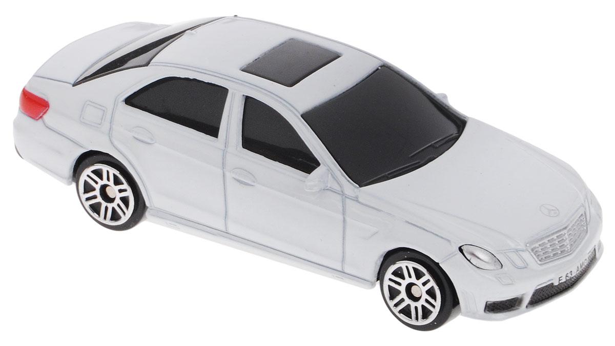 Uni-Fortune Toys Модель автомобиля Mercedes-Benz E 63 AMG цвет белый
