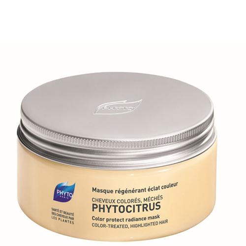 Phytosolba Phytocitrus Восстанавливающая маска для волос, 200 мл4605845001449Phytocitrus - маска с растительными маслами и экстрактом грейпфрута. Разглаживает поверхность волоса, обеспечивая тем самым оптимальный блеск.Регенерирующие и питательные свойства растительных масел иллипа и карите, в сочетании с глубоким восстанавливающим действием протеинов сладкого миндаля, позволяют нормализовать поврежденную структуру кератина и вернуть волосам устойчивость и упругость.Экстракт грейпфрута разглаживает поверхностные чешуйки волос, фиксируют цвет, обеспечивают тонус прически после завивки и возвращают волосам блеск.Маска облегчает расчесывание и повышает устойчивость укладки, совершенно не утяжеляя волосы.Рекомендована после каждого мытья волос, высушенных в результате окрашивания, обесцвечивания или химической завивки.Маска обеспечивает стимуляцию и восстанавливает блеск, поддерживая красоту волос.Эффективность:Мягкость и блеск волос: 97%.Восстановление: 91%.Усиление интенсивности цвета: 78%.Потребительский тест независимой лаборатории с участием 31 женщины.