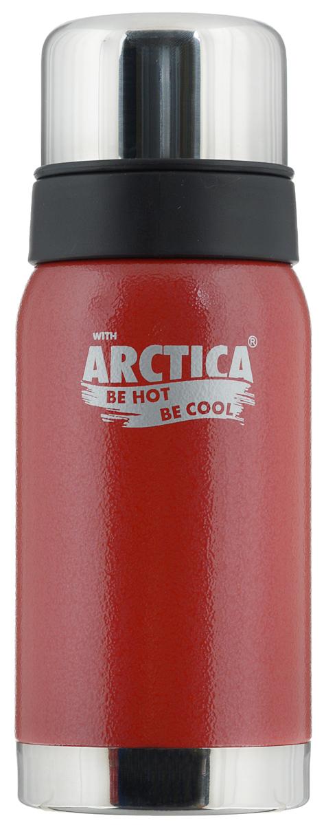 Термос Арктика, цвет: красный, стальной, 0,5 л. 106-500106-500 красныйТрадиционный дизайн обрамленный в классические цвета американского термоса Арктика радует глаз. Этот термос с узким горлом обладает приятной эргономикой и отлично лежит в руке. Яркая краска на корпусе - это особая молотковая эмаль, повредить которую получится не у всякого. Вкупе с прочной пищевой нержавеющей сталью это покрытие надежно охраняет самое ценное в термосе - вакуум между стенками корпуса и колбы. Вакуум, в свою очередь, надежно оберегает содержимое термоса от нагрева или охлаждения - круглый год он будет вам надежным товарищем и верным спутником. Крышка разделяется на 2 сосуда, которые можно использовать в качестве стаканов. Диаметр горлышка: 4,4 см. Диаметр основания: 7,8 см. Высота термоса (с учетом крышки): 21 см. Время сохранения температуры (холодной и горячей): 24 часа.