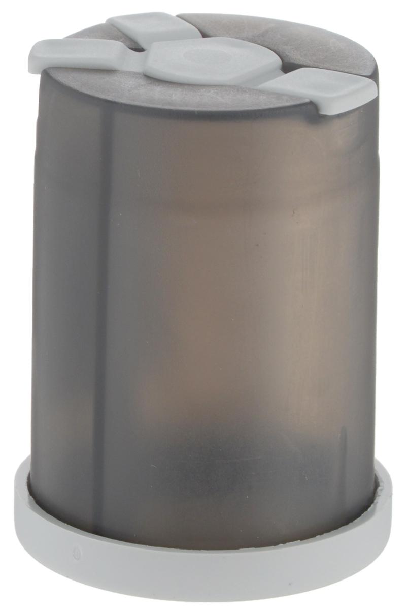 Емкость для специй Wildo Shaker, цвет: светло-серый10110Емкость Wildo Shaker предназначена для хранения специй трех видов. Емкость внутри разделена на три отдельные секции, одну большую и две поменьше, с отдельными выходами. Выходные отверстия секций плотно закрываются гибкими крышками. Размер отверстий позволит использовать в Wildo Shaker соль и специи только мелкого помола. Диаметр емкости (по верхнему краю): 4 см. Высота емкости: 5,8 см.