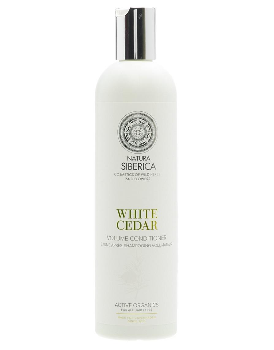 Natura Siberica Estonia Copenhagen Бальзам обьем белый кедр 400 мл3078Кондиционер «Белый кедр» интенсивно заботится о волосах, оздоравливая и придавая блеск и объем, облегчает расчесывание. Белый кедр содержит комплекс витаминов, аминокислот и микроэлементов, необходимых для роста крепких и здоровых волос, активизирует процессы регенерации, придает силу и блеск. Лен богат витаминами групп А, В, Е, F и полезныминенасыщенными жирными кислотами, он способствует сохранению влаги, увлажняя волосы по всей длине. Гидролизованный кератин воздействует на структуру волос, обволакивая и приподнимая их у корней, придает упругость, помогая сохранять желаемый объём. Аминокислоты шелка легко проникают внутрь волоса, глубоко питая и заполняя все повреждения и неровности, делая их гладкими и мягкими, словно шелк.
