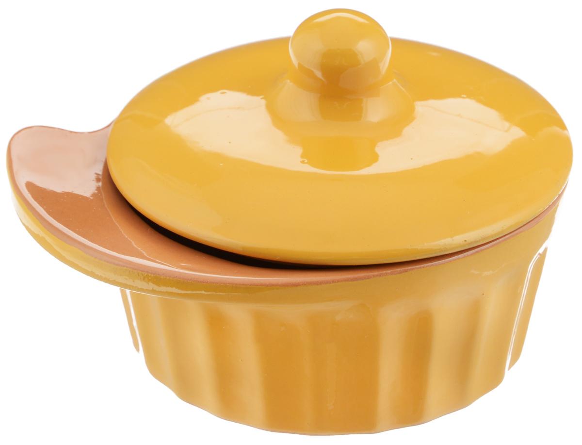 Кокотница Борисовская керамика Ностальгия, цвет: желтый, 200 млРАД14457898_желтыйГраненая форма кокотницы Борисовская керамика Ностальгия никого не оставляет равнодушным. Она выполнена из высококачественной керамики и оснащена крышкой. В кокотнице можно удобно запекать кексы, делать жульены. Она отлично подойдет для сервировки стола и подачи блюд. Кокотницу можно использовать как порционно, так и для подачи приправ, острых соусов и другого. Подходит для использования в микроволновой печи и духовке. Размер (по верхнему краю): 12 х 10 см. Высота (без учета крышки): 4,5 см.