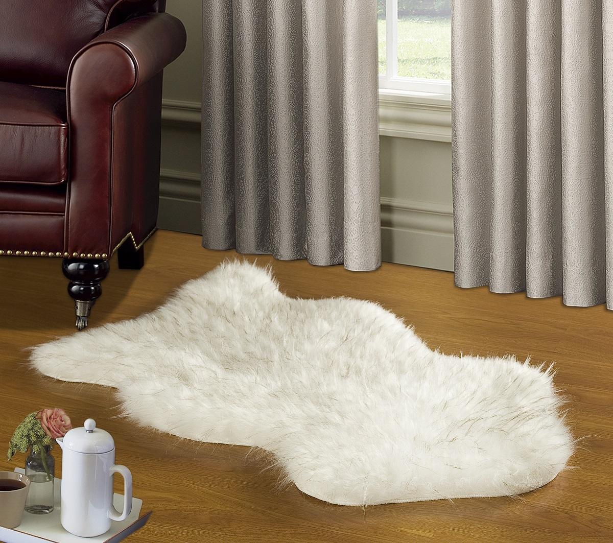 Коврик Modalin Manal, цвет: белый, 50 х 90 см3122794140Коврик Modalin Manal выполнен из искусственного меха. Изделие долго прослужит в вашем доме, добавляя тепло и уют, а также внесет неповторимый колорит в интерьер.