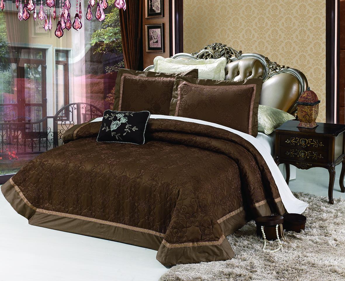Комплект для спальни Cleo Мичейла: покрывало 230 х 250 см, 2 наволочки 50 х 70 см280/010-PHИзысканный комплект для спальни состоит из покрывала и двух наволочек. Изделия выполнены из хлопка и вискозы, легкие, прочные и износостойкие. Размер покрывала: 230 х 250 см. Размер наволочки: 50 х 70 см.